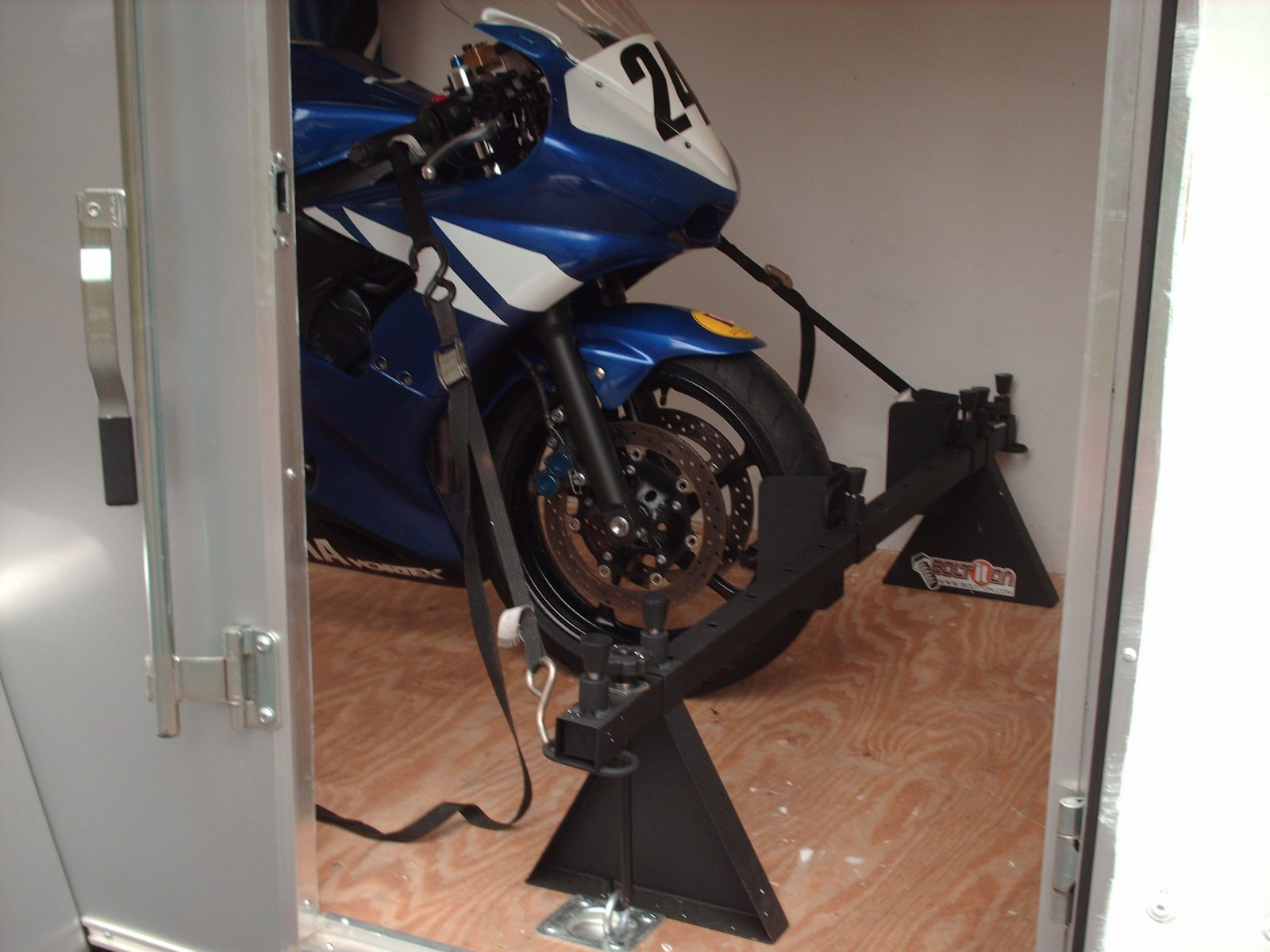 wheel chocks for street bikes